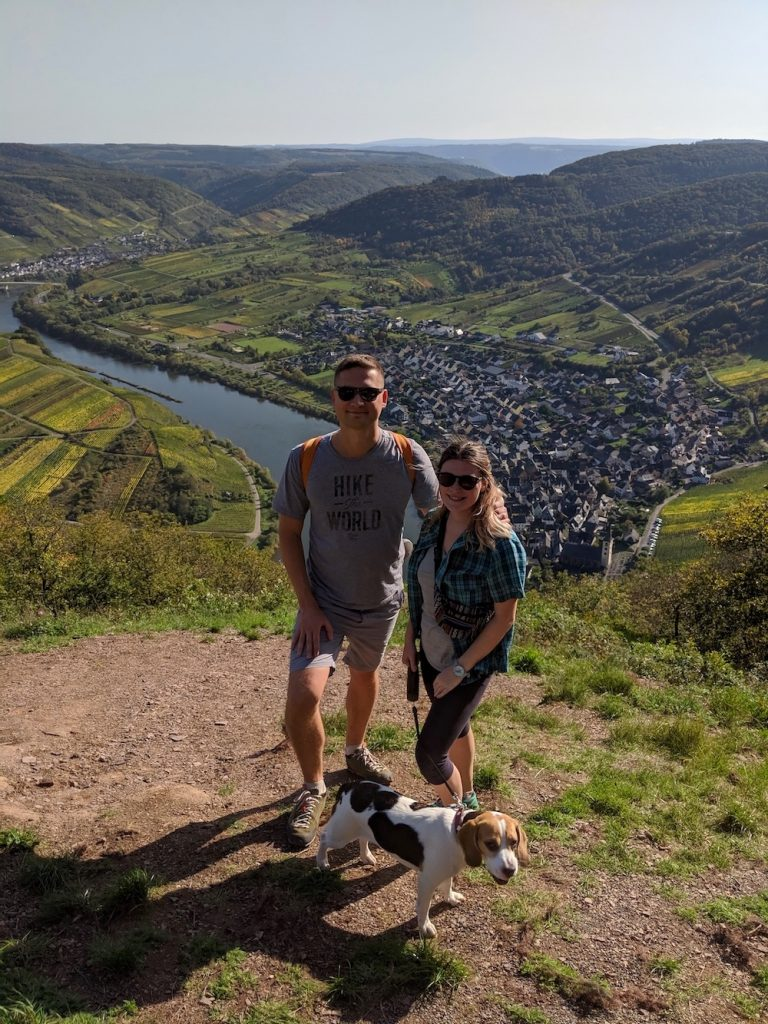 Calmont Moselschleife hiking with a dog