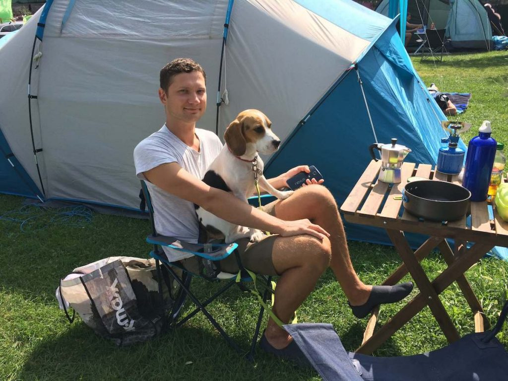 how to go camping with a dog